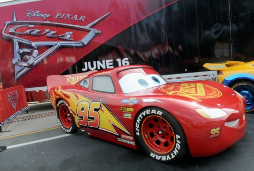 The Chatty Momma Cars 3 Road to the Races Tour Lightning McQueen Model