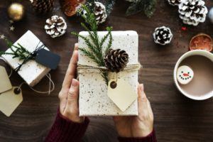 7 Last Minute Gift Ideas to Buy and Give Today